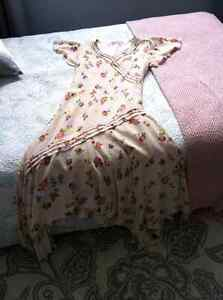 Tres belle robe Juicy Couture