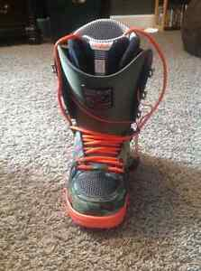 32 Scott Stevens boots for sale or trade Prince George British Columbia image 3