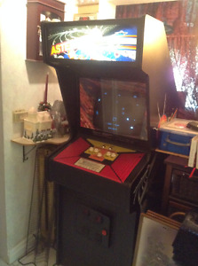 ATTENTION ALL GAMERS-MAN CAVE SPECIALISTS-ASTEROIDS UPRIGHT