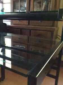 Solid tubular tempered glass desk Cornwall Ontario image 4