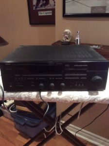 Yamaha RX-V690 natural stereo receiver