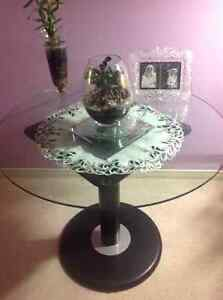 """36""""glass round table very sturdy"""