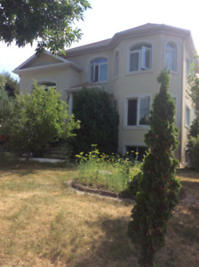 Maison au bord du lac Waterfront house Private Sale Vente priv