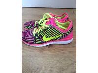 NEW Nike free run trainers