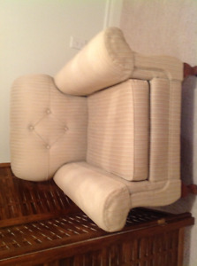 Antique sofa chair in great shape!!