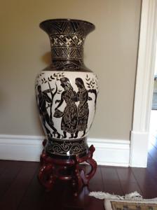 Decorative vase/Vase décoratif
