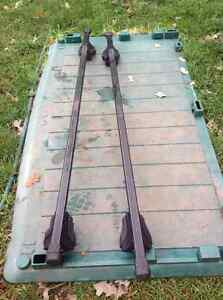 """THULE"" 55""L CAR ROOF RACKS WITH LOCKS - needs new keys Oakville / Halton Region Toronto (GTA) image 3"