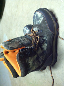 Youth Rocky Hunting boots size 6. Like new condition