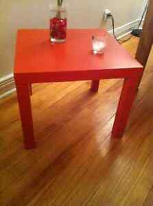 Table basse carrée orange IKEA