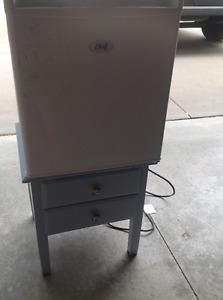 Mini fridge - Great deal!