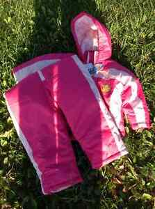 Two piece snow suit. Size 3
