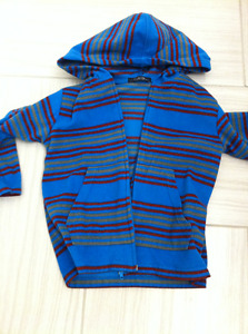 boy's size 3 hoodie