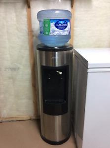 Distributeur d'eau/ Water dispenser