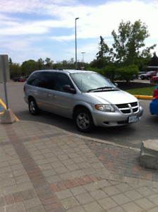 2004 Dodge grand caravan, clean and affordable