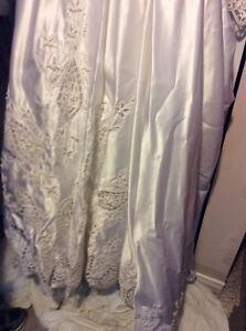 Beautiful wedding dress for sale Belleville Belleville Area image 5
