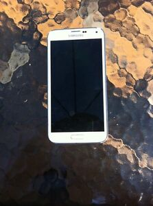 MINT CONDITION SAMSUNG GALAXY S5 NEED GONE ASAP