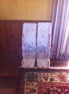 35+2 pro return Bauer total one pro goalie pads