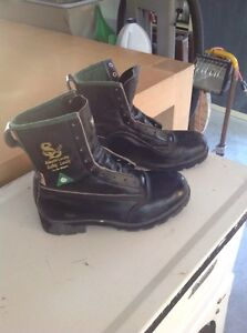 Safety climbing boots