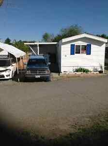 Beautiful Mobile Home Close to River and MacArthur Park.