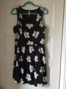 Kensie black & white floral dress. $10