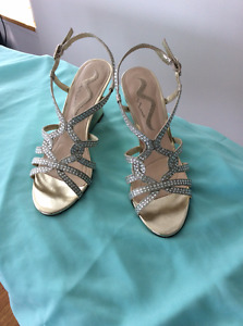 Beautiful wedding or prom shoes, excellent condition