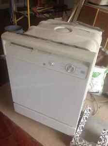 DISH WASHER IN GREAT CONDITION