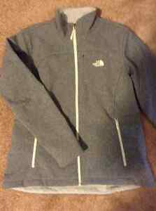 North face women's fall jacket, new condition!