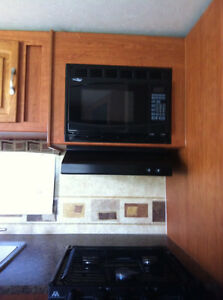 28 1/2 foot Starcraft Travel Trailer Kawartha Lakes Peterborough Area image 3