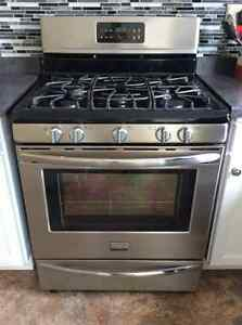 Stainless Steel Gas Range with Convection Oven