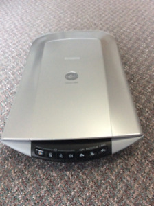 Canon CanoScan 4400F Flatbed Scanner