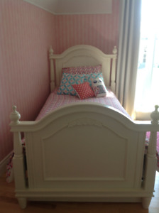 Mobilier chambre fille / Girl Bedroom Furniture