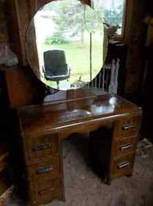 Solid wood make-up dresser with mirror and bench