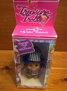 Vintage Trolls prisoner toy figure, New in box Windsor Region Ontario image 3