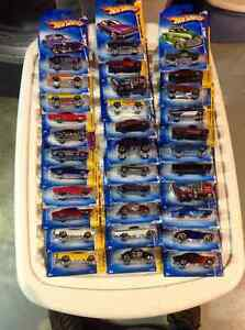 HUNDREDS OF HOT WHEELS FOR SALE