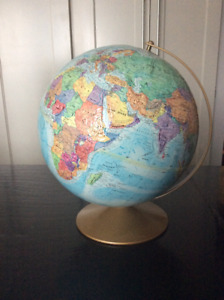 TABLE TOP GLOBE EXCELLENT CONDITION GREAT GIFT IDEA