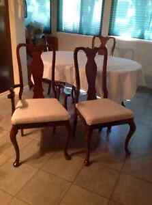 Dining table, chairs, buffet hutch. DELIVERY AVAILABLE Cambridge Kitchener Area image 3
