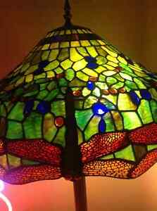 Tifany Style Stained Glass Lamp