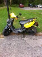 Scooter-Yamaha 2009 Jaune