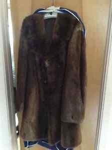 Manteau de fourrure pour homme Lac-Saint-Jean Saguenay-Lac-Saint-Jean image 1
