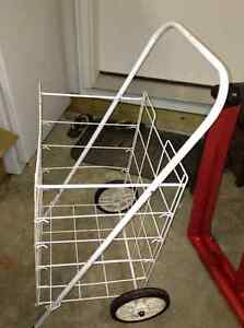 Excellent condition grocery cart for sale London Ontario image 1