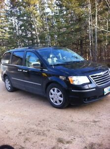 Chrysler Town and Country Limited 2009