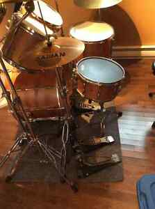 Cadeson drum set w/ cymbals and stands