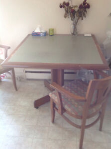 dining table with 4 chairs-need gone ASAP, $40OBO