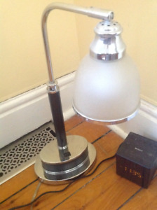 Table lamp / accent or nightstand lamp