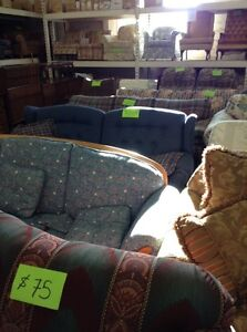 Couches and chairs Windsor Region Ontario image 2