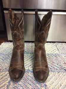 Womens Ariat cowboy boots style 10010266 size 6.5