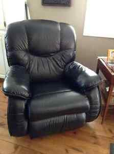 LAZYBOY Sofa and recliner
