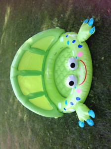 Frog baby/toddler wading pool