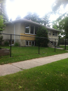 House Rental in Inglewood Area Edmonton (includes gas and elect)