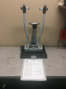 Park Tool TS-6 Truing Stand with base